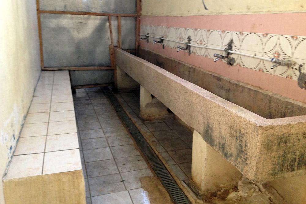 Les condicions de vida a Mória són molt dures, per les condicions deficitàries de les instal·lacions