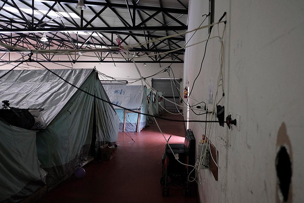 L'hivern agreuja la situació dels refugiats als camps del nord de Grècia