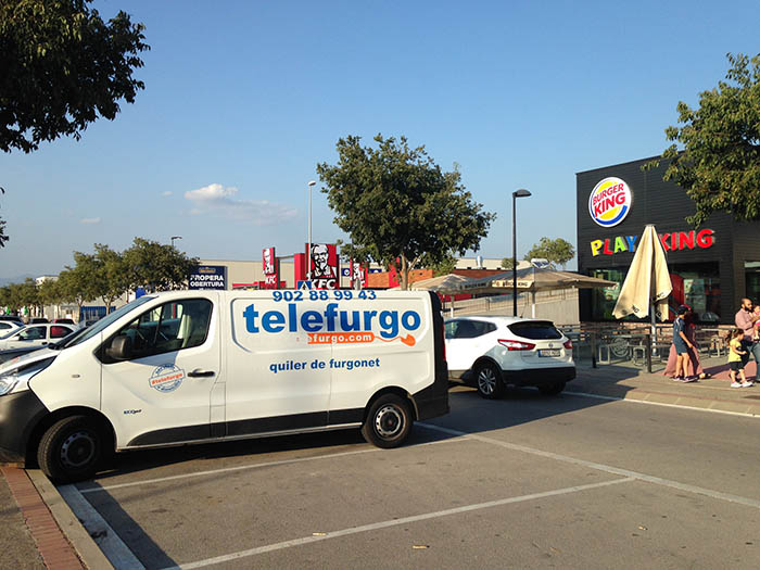 La furgoneta llogada amb el mateix nom que la de l'atac a Barcelona trobada a Vic