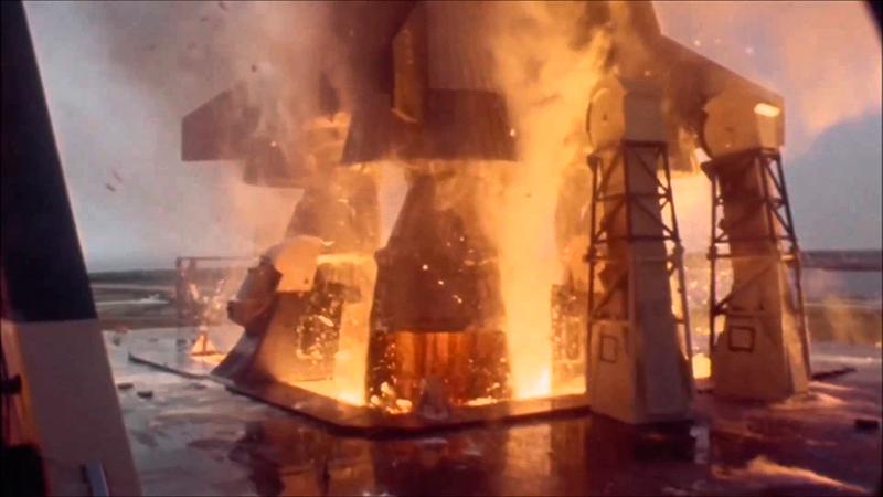 Enlairament d'un Saturn V captat per una càmera d'alta velocitat