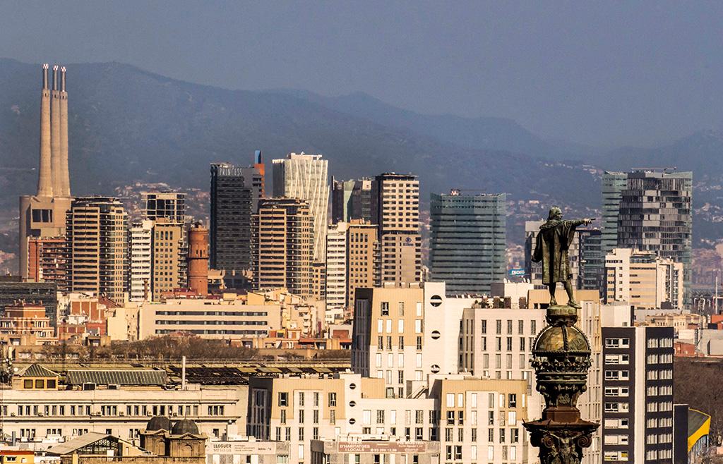 Barcelona Monument a Colom despres