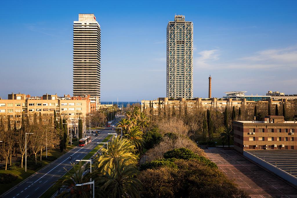 Carrer Marina de Barcelona ara